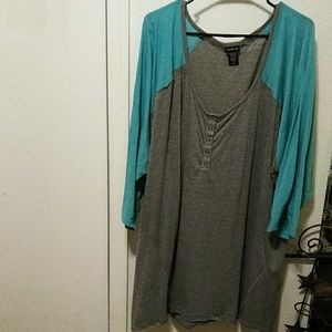 Tops - Brand new never worn size 6x torrid shirt